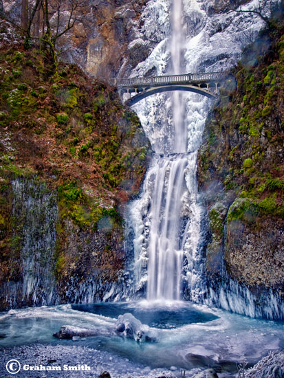 Multnomah_Falls_Winter